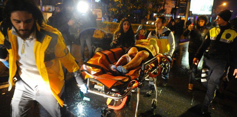 Terroriakt Istanbulis: Uusaastapeol tapeti vähemalt 39 inimest