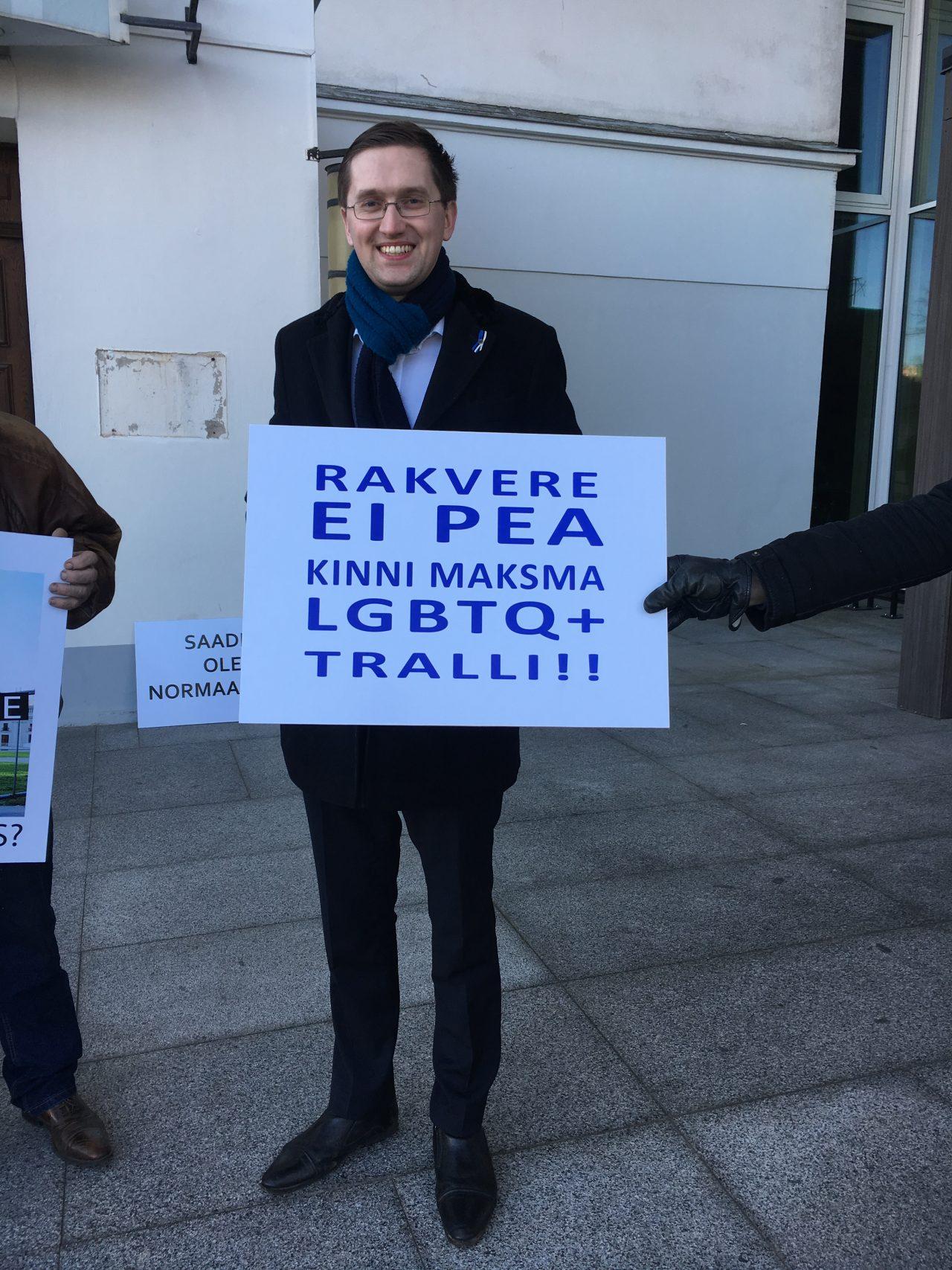 Homopropaganda sai Rakverelt toetust, inimõiguste keskus kaebab linna ikkagi kohtusse
