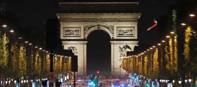 TERROR PARIISIS: Tulistamises Champs-Elyseel hukkus politseinik ja kaks sai viga, vastutuse võttis ISIS