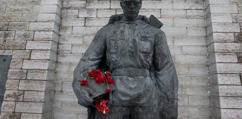 Jüri Ratas lubas pronkssõdurile 9. mail lilli mitte viia