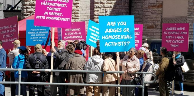 FOTOD: SAPTK-i meeleavaldus kohtute omavoli vastu homoideoloogia pealesurumisel