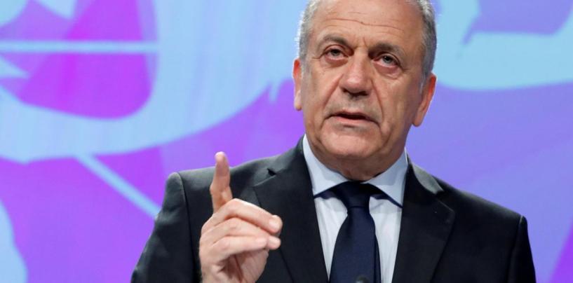 Rändevolinik Avramopoulos ähvardab Ungarit ja Poolat migratsioonitrahvidega