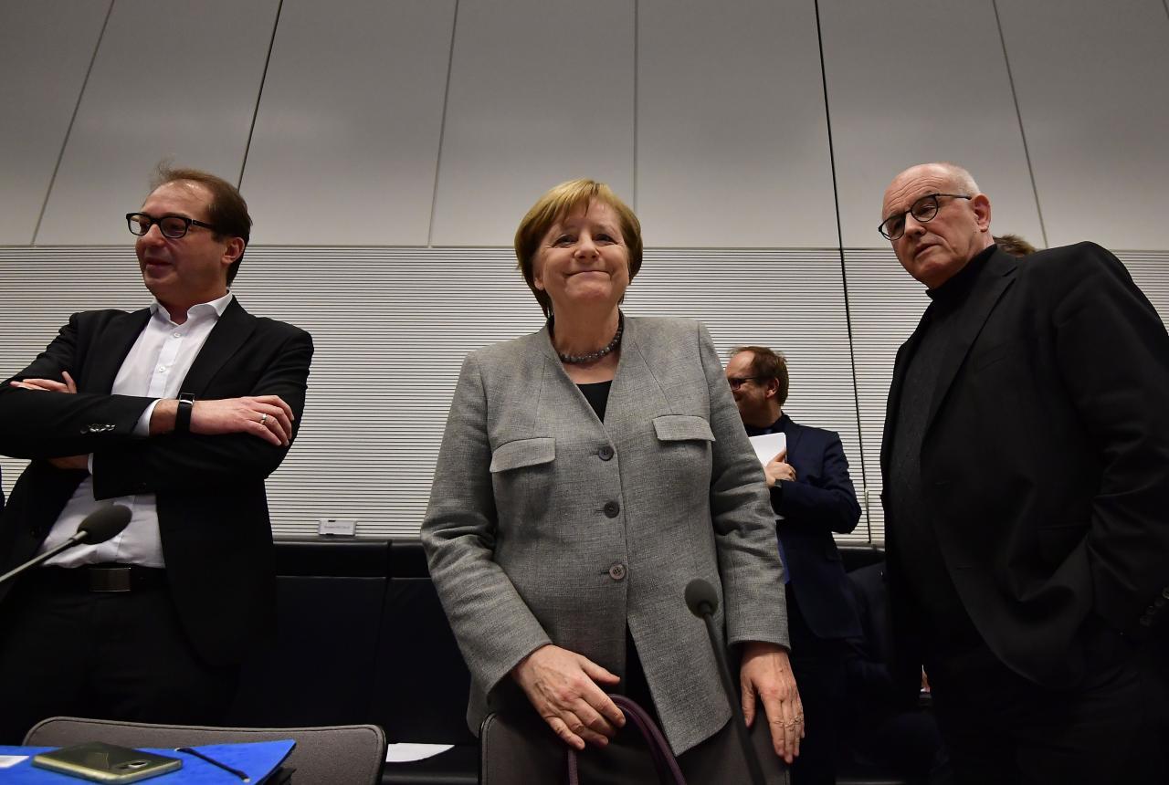 Angela Merkel koalitsiooniläbirääkimistel.