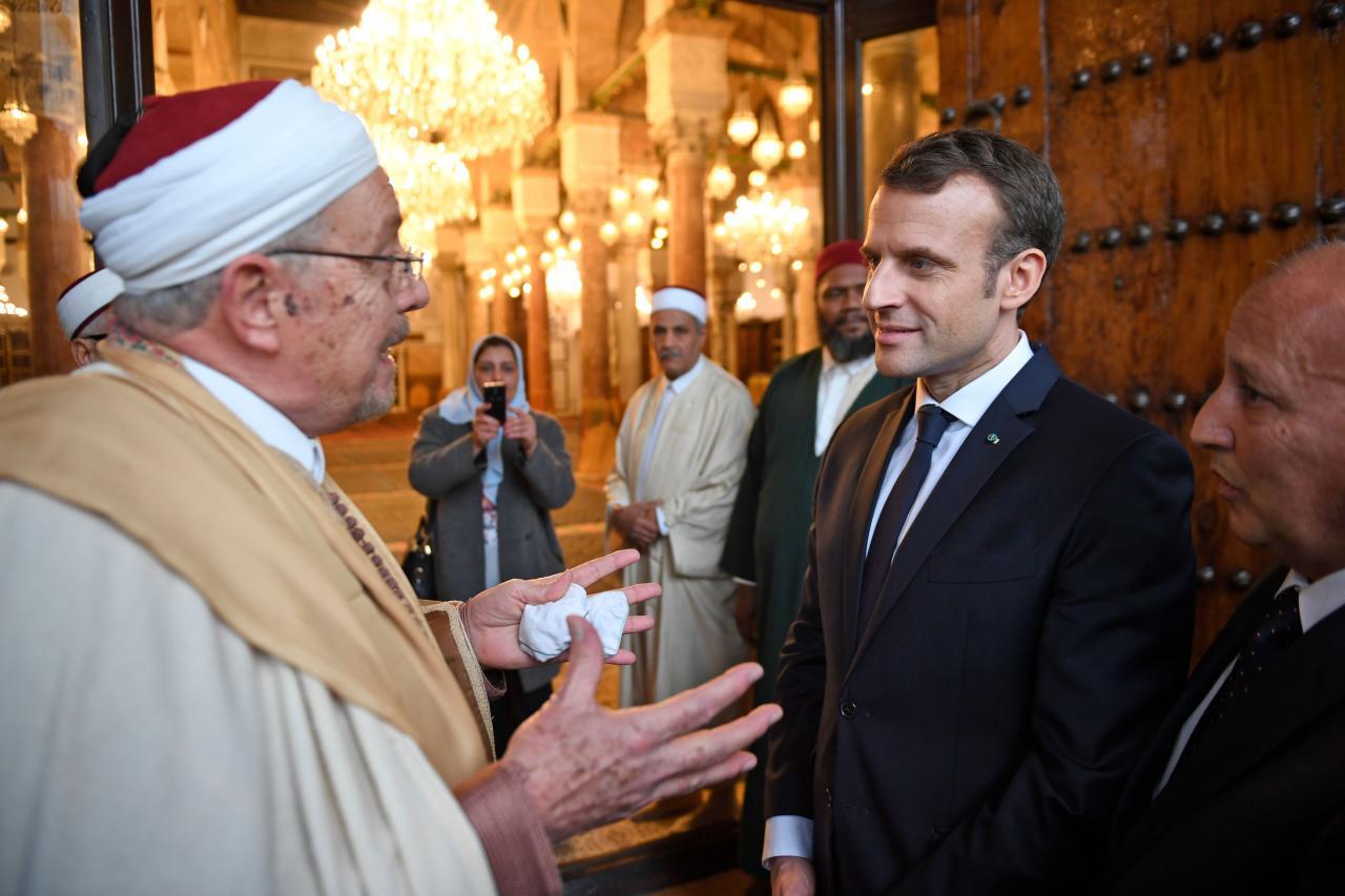 President Macron ja islamivaimulik