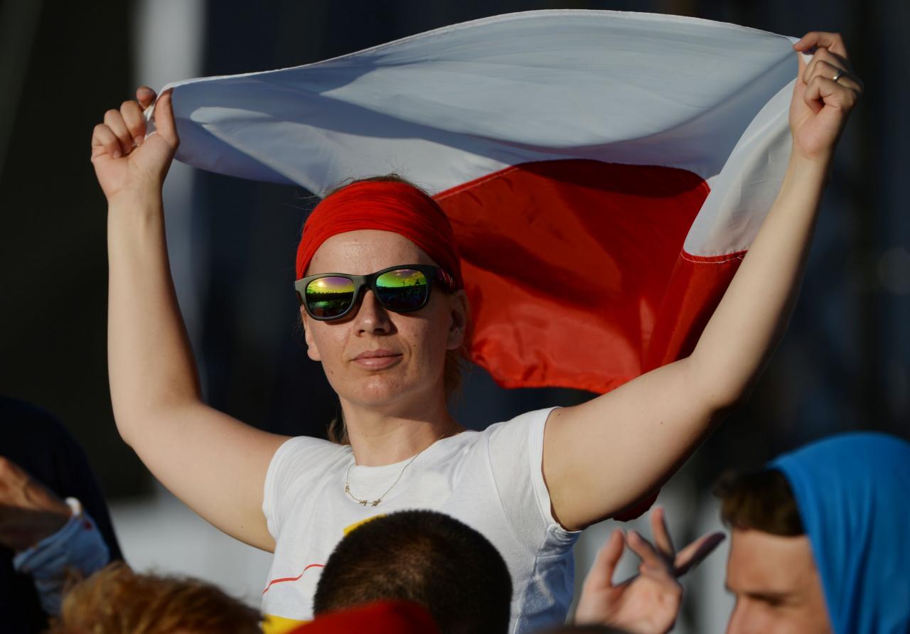 Poola noormees lipuga