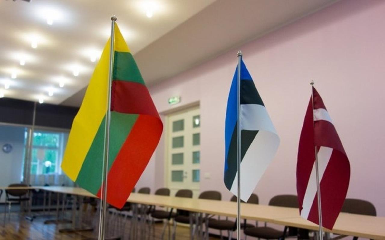 Balti riikide lipud