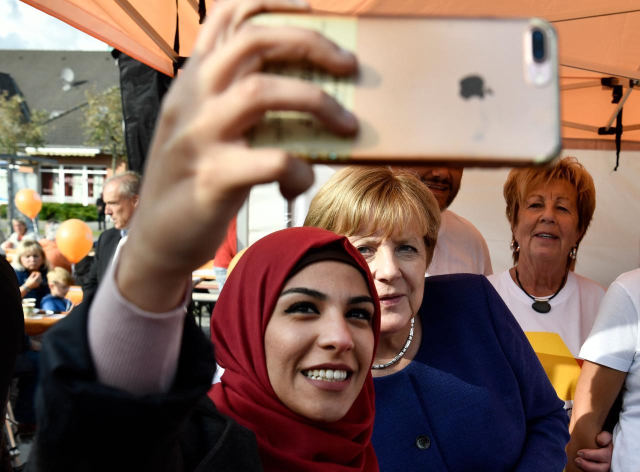 Merkel ja Süüria naine