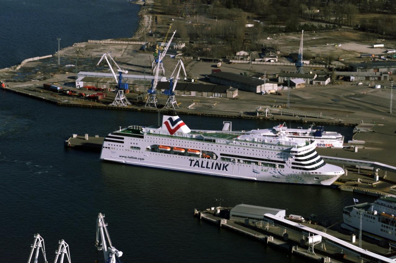 Reisilaev jõuab Soomest Tallinna.