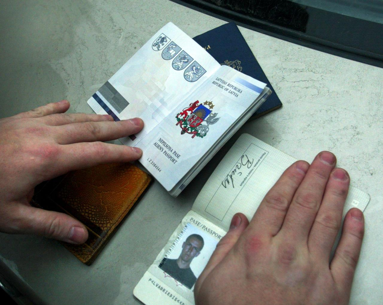 Illegaalse töötaja dokumendid.