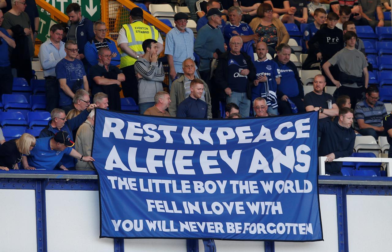 Aktsioon Alfie Evansi mälestuseks.