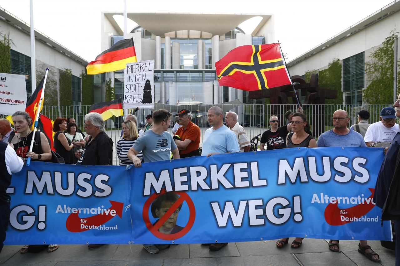 Meeleavaldajad protesteerivad Merkeli vastu