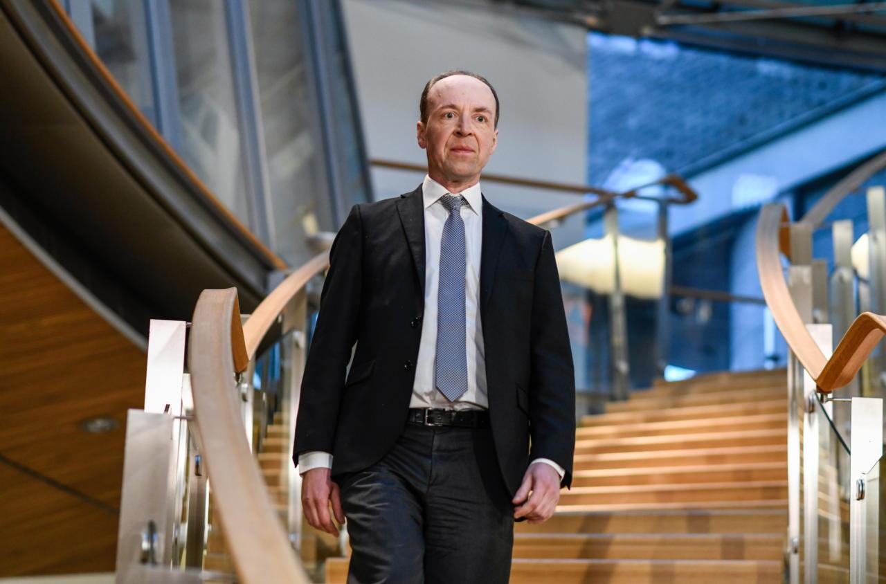 Mart Helme õnnitles Põlissoomlaste liidrit Jussi Halla-ahot valimisedu puhul, erakonnad tihendavad koostööd