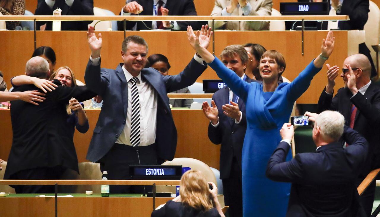 President naudib jätkuvalt lahkumishüvitiste tiksumist Euroopast