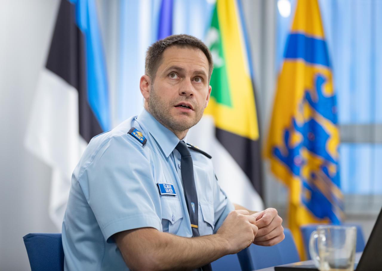 Plagiaadisüüdistuse alla langenud politseijuhi Elmar Vaheri tool lõi kõikuma