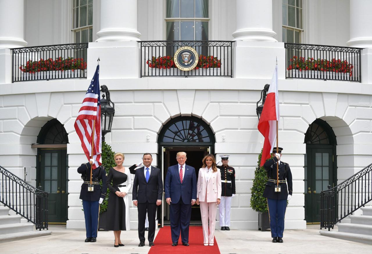 Ameeriklasi kutsuv Poola võtab EL-ilt võimaluse teda immigratsioonivastasuse eest karistada