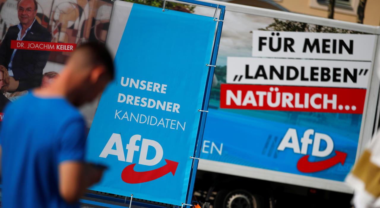 Vasakule hoidva südamega valimisametnik sokutas Saksamaa valimistel AfD hääled rohelistele