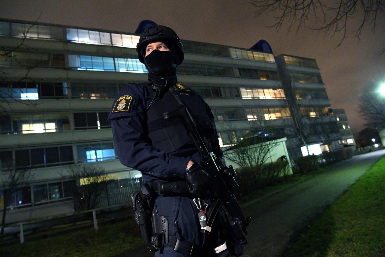 Migrantidest tulvil Rootsi muutub üha enam Sitsiilia maffiasaare sarnaseks