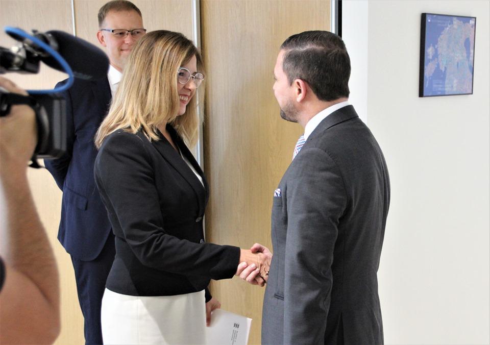 Minister Kingo allkirjastas koostööleppe Costa Rica kolleegiga