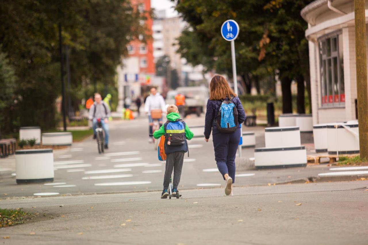 """Uuest, ühtsest eesti koolist: kas""""teisi rahvusi diskrimineeriv"""" eesti rahvas surutakse nägupidi vakku?"""
