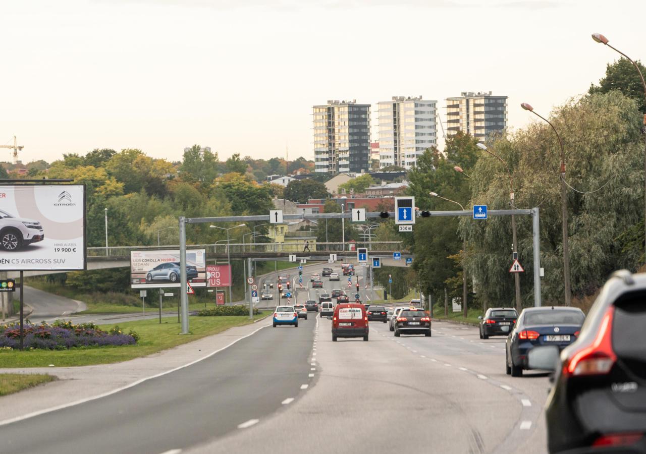 Mida Tallinna autodetulvaga pihta hakata? Hoiakute muutmisest ühistranspordi arengukavani