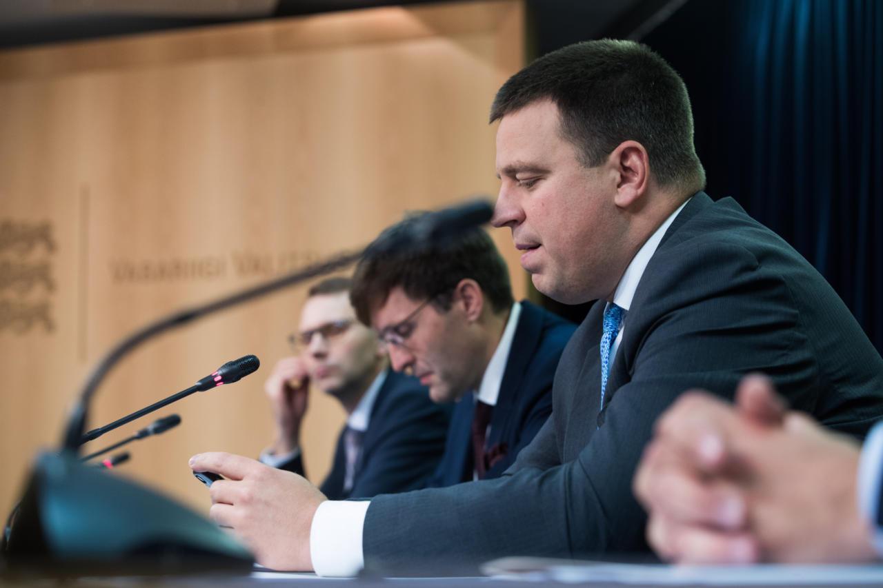 Riigikogu opositsioon lammutab oma jonnimisega Jüri Ratase suhtes demokraatia traditsioone