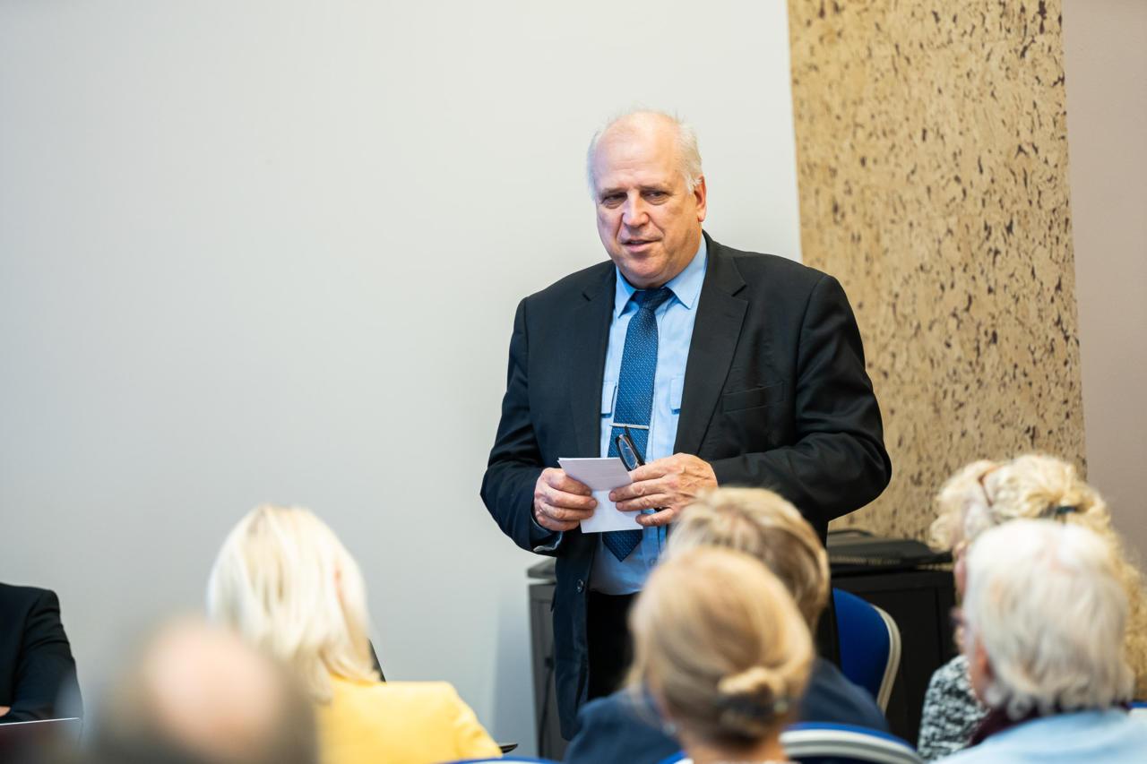Mart Järvik kirjutas 22. novembril Mart Helmele võimalikust pealtkuulamisest
