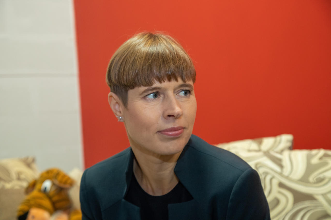 Kersti Kaljulaid riskib rahvusvahelise skandaaliga: tema potisoeng kanti vihasümbolite loetelusse