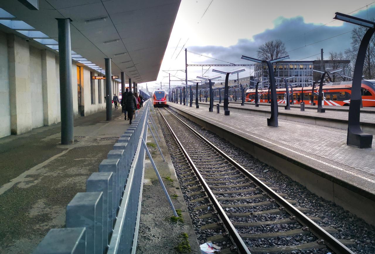 Rong, raudtee, Elron, Balti jaam